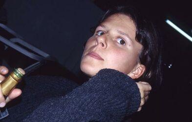 Dia Babette auf dem Belgrader Flughafen [Israel-Exkursion]
