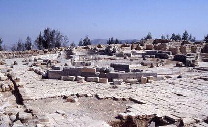 Dia Garizim, Byzantinischer Klosterkomplex, Oktogon in der Mitte [Israel-Exkursion]
