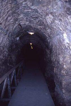 Dia Megiddo, unterirdischer Gang zur Quelle [Israel-Exkursion]