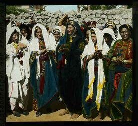 Glasplattendia Fellachen - Hochzeit. Klatschreigen der Fauen, Pal. [Ramallah]