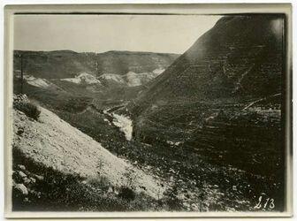 Fotografie Jarmuktal, Aufnahmen aus dem Zug, Wasserfall b. zizun