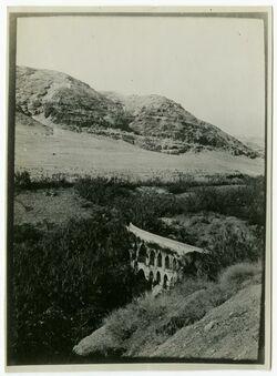 Fotografie Aquädukt bei Jericho: Zierbel abu [..., ?]