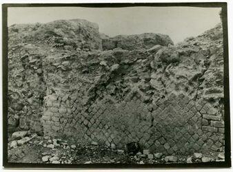 "Fotografie ""opus reticulatum"" am Herodespalast bei Jericho"