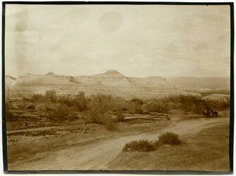 Fotografie Erosionslandschaaft im gor im N rings um das tote Meer.