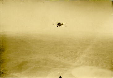 Fotografie Flugrichtung Süd-Nord Rückflug aus dem Anfeklarungsgebiet Biddn-Bed House [?]-Naalin-el-bire nach dem Flughafen genin [Jenin] [. . . ]