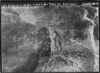 Fotografie Tell es sultan [Jericho; En duk] UBR NO tell es-sultan in d. Mitte vgl. Fl. 304.Nr. 1701 (1031a) mit grösserer Umgebung