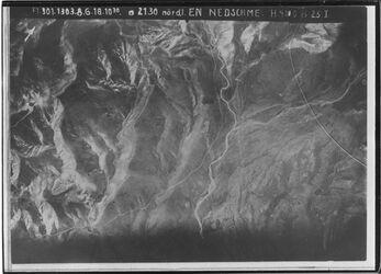 Fotografie nördl. En Nedschme Kolb nach dem Planquadrat in der Mitte wadi es-samie n.ö.v. en-negme mit neben[t?]adern