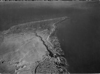 Fotografie Halbinsel im Toten Meer Halbinsel am südlichen Ostufer des Toten -Meeres v.S. [unleserlich] Reproduktion is. 1 Kopie Blick nach N [vgl. GDIp00861] Cap Costigan [unleserlich]