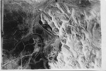 Fotografie 25. Jordanbrücke bei Jericho v. ONO [Allenby-(Jordan-)Brücke] Pfeil irrig