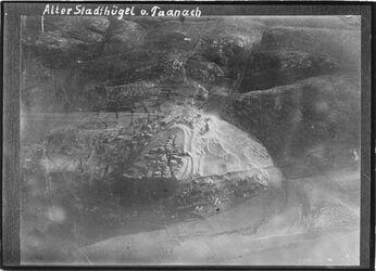 Fotografie Alter Stadthügel v. Taanach Taannak UBRN of Sellin, Tell Taannak Denkschriften d. Kaiserl. Ak.d.Wg.50V904,VV 52 (1906) III