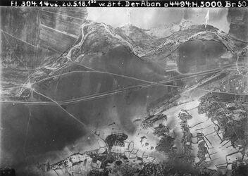 Fotografie Bhf. Der Aban [Dayr Aban] oben w. es-sarar darunter Bahnlinie unmittelbar westl v. Bahnhof der aban unten rechts stösst an 760 [GDIp00213] links Mitte