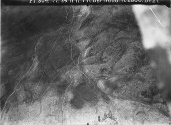 Fotografie n. Bet Nuba l.oben in der Ecke Burg v. bet nuba vgl. Nr. 670 w. selman von oben Mitte nach l. Ecke nach unten w. elhaddad unten Anfang von bet sira [ . . . Unleserlich]