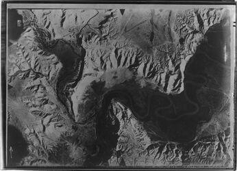 Fotografie el-Mendesse (Jordanfurt) von mellaha [El-mellaha] Mündung nördl. F. [?] Mündung des w. el-mellaha in d. Jordan v. S.