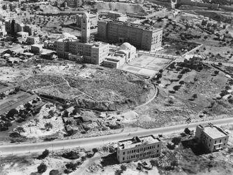 Fotografie Jerusalem The new y.m.c.A. building + The King David Hotel in Jerusalem