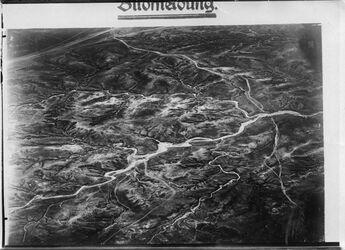 Fotografie Wadi Nachabir [Nahabir] =2243 [GDIp01391] r. n. unten oben l. Wege= 2243 quer Mitte das grosse Tal quer= 2243 r. (nachabir)