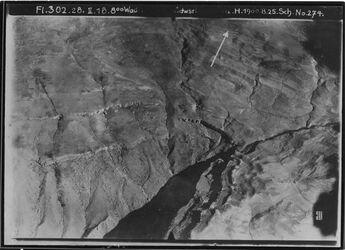 Fotografie Wadi [unleserlich] Südwestl. [Rest nicht lesbar, Arabische Halbinsel] swl. Chanzira Gegend v. sel el-keraki unterhalb des w. es-hesi