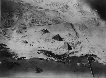 Fotografie Nil Pyramiden v. ONO [wohl Gizeh]