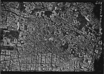 Fotografie Kairo Europa[i?]-Viertel südl. westl. Teil v. Kairo l.m. Palais abdin [Palast Abdeen] u. Scharin haliket masri r. Mosche saijidi zenab UBR WNW