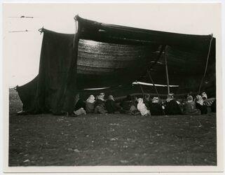 Fotografie Grand Tent of te Beni Sach