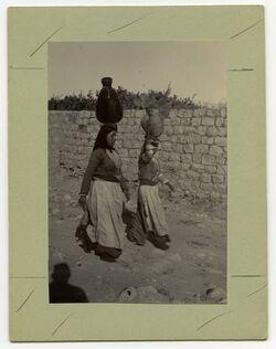 Fotografie Wassertragende Frauen Nazaret [Nazareth]