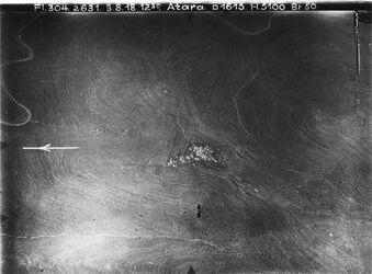 Fotografie Atara [Atara] gifnastr. Va l. w.attara/ eg-gib oben nablus Str. Anschluss an Nr. V/ 553 [GDIp00315] attara UBR W nach r.u. Weg nach bir ez-zet [birzet] viell. Anstel. an Nr 21c [GDIp00299]