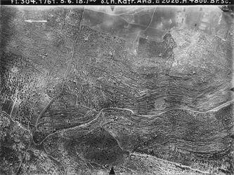 Fotografie ö. Ch. Kafr. Ana Betin [Beitin, Bethel]- Nablus IV Nr. III Gegend von en jebrud [Ain Jabrud] fehlt Mitte von 563 [GDIp00339] UBR West unten v. r. nach links Weg betin-nablus l.v. unten n. oben Weg jabrud-et-taijibe
