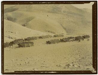 Fotografie Near Mar Saba v. d. geschlossenen Seite [Lager]