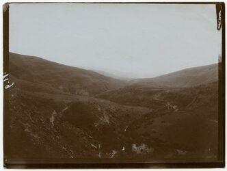 Fotografie nahr es zerka am Wege gerasch-errumman [Gerasa, Wadi zerka, Er-Rumman]