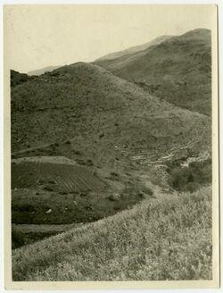 Fotografie Ostfhügel von Mahanium [?] (seh ed-dahab) von Westen