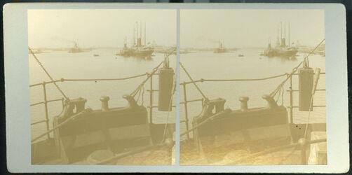 Stereofotografie Port Said Harbor and Entrance of Suez Canal. [Port Said, Hafen, Eingang zum Suez-Kanal]