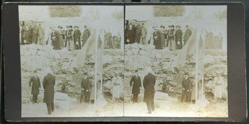 Stereofotografie Bethlehem, 6. Nov. 1913 Guverneur v. Jerusalem Dalman [2. von unten links] Baumeister Madjid Schevket Bey Dr. Ribbing Imburger