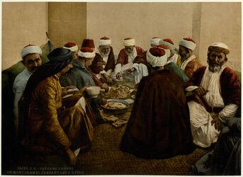 Photochrom Paysans druses du Mont Carmel prenant leur Repas. [Karmel, Drusische Bauer beim Mahl]