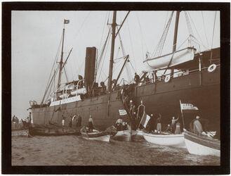Fotografie Dampfer vor Jaffa