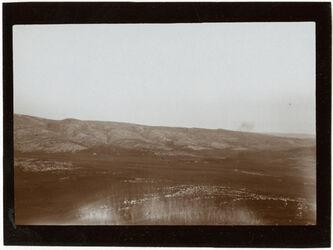 GDIs00364; Fotografie; Von sara [sar'a] n. SO Berg bei der aban n. essarar [Dayr Aban/Wadi es Sarar], aus Nachlass von rund 880 Fotografien von Valentin Schwöbel