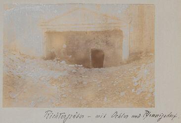 Fotoalbum Richtergräber [auch Synhedrionsgrab, Jerusalem] - mit [Wilhelm] Oehler und [Emil] Pfennigsdorf.