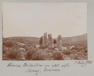 Fotoalbum Römische Meilensteine von wadi wale. Sarowy, Baumann. 17. März 1904.