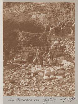 Fotoalbum Am Brunnen von eg-gib [edsch-dschib, edj-djib]. 4. Febr. 1905