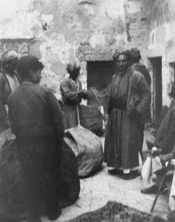 Fotoalbum 18. März 1905. Packen bei Abu slim in Jerusalem.