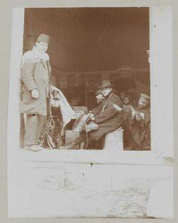 Fotoalbum essalt 22/23/3 1905 [Schusterladen in es-salt. Riedel, Fenner, Eberhard]
