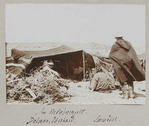 Fotoalbum Im Beduinenzelt [bei kitim]. Dalman, Eberhard, Schwöbel