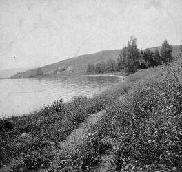GDIs01458; Fotoalbum; Blick auf das Hospiz [wohl in Meron] von O., Album Gustaf Dalman, 1905, Blatt 59 Vorderseite (GDIs01452) unten Mitte