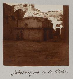 Fotoalbum Johannesgrab in der Kirche. [sebastie]