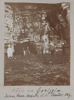 Fotoalbum Höhle am Garizzim [Garizim]. Dalman, Fenner, Eckerhardt [Richard Eckardt?], Riedel, Schwöbel, Volz.