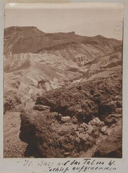 Fotoalbum Die Burg und das Tal von W. schief aufgenommen [mizpe zohar]