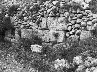 GDIs01602; Fotoalbum; Trümmer von chirbet el-jehud [wadi bettiir]., Album Gustaf Dalman, 1905-06, Blatt 19 Vorderseite (GDIs01596) unten rechts