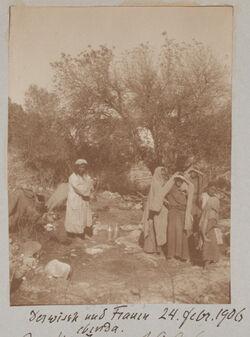 Fotoalbum Derwisch und Frauen ebenda [Bayt Mahsir]. 24. Februar 1906