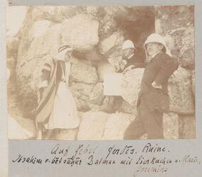 Fotoalbum Auf gebel ferdis [djebel, dschebel, Herodium]. Ruine. Ibrahim von bet sahur Dalman mit Eierkuchen u. Karte, Jeremias.