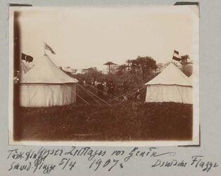 Fotoalbum Unser Zeltlager vor Genin [dschenin, djenin, jenin]. Schwed. Flagge Deutsche Flagge 5/4 1907.