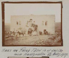 Fotoalbum Haus von Farah Tabir in et-taijibe [aglun]. Unser Nachtquartier 5/6. März 1909.