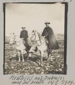 Fotoalbum Nestle (l.) und Duhm (r) wohl bei bettir [Wadi Bettiir] 12/3 1909.